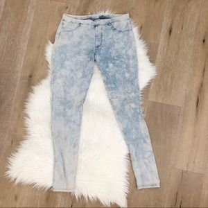 Target xhileration acid wash Jeggings size L